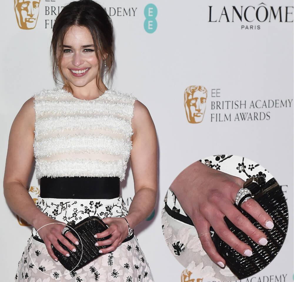 Emilia Clarke finger knot tattoo