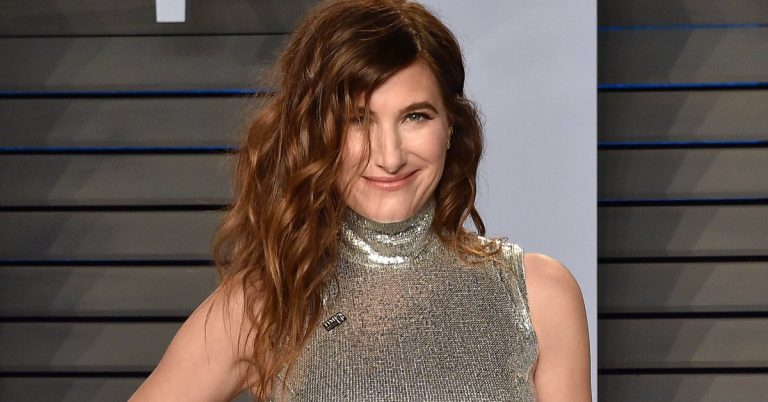 Kathryn Hahn Height, Age, Movies, Net Worth, Facts, Husband