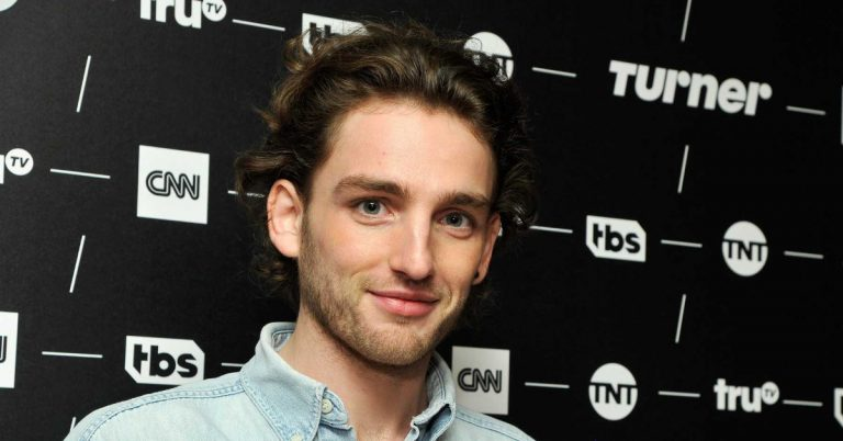 Laurie Davidson Actor, Height, Age, Movies, Net Worth