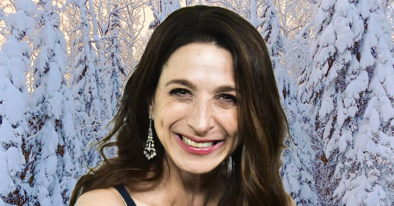 Marin Hinkle Height, Weight, Age, Movies, Net Worth