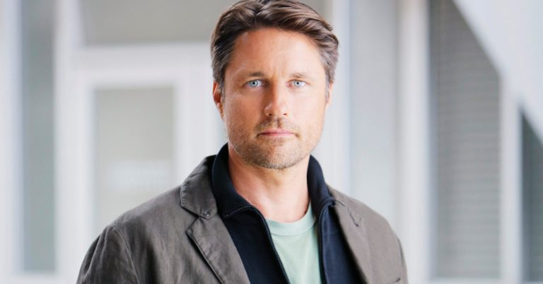 Martin Henderson Height, Age, Net Worth, Dating