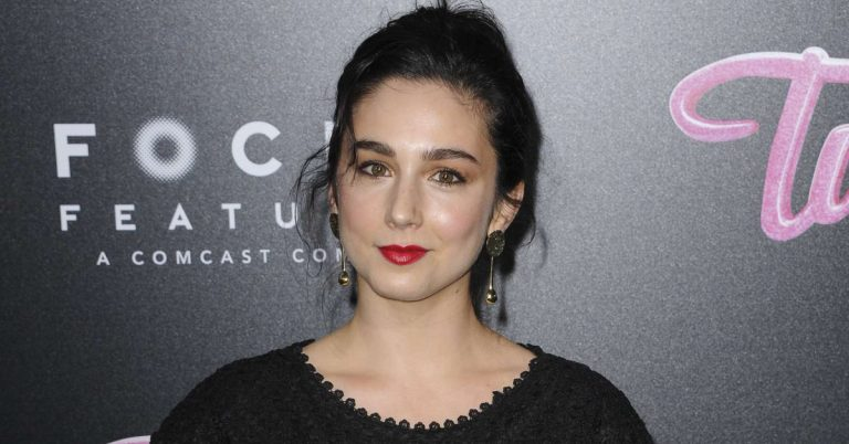 Molly Ephraim Height, Age, Movies, Net Worth, Facts, Dating