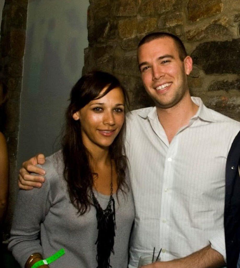 Rashida Jones and partner Jon Favreau