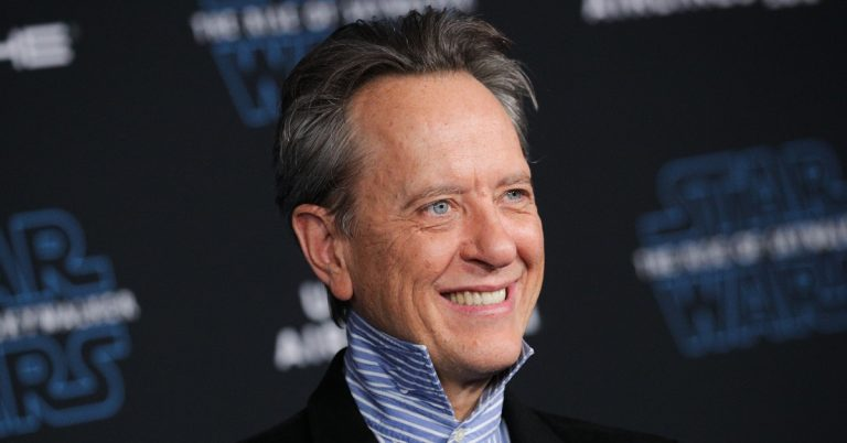 Richard E. Grant Height, Age, Bio, Movies, Net Worth, Wife