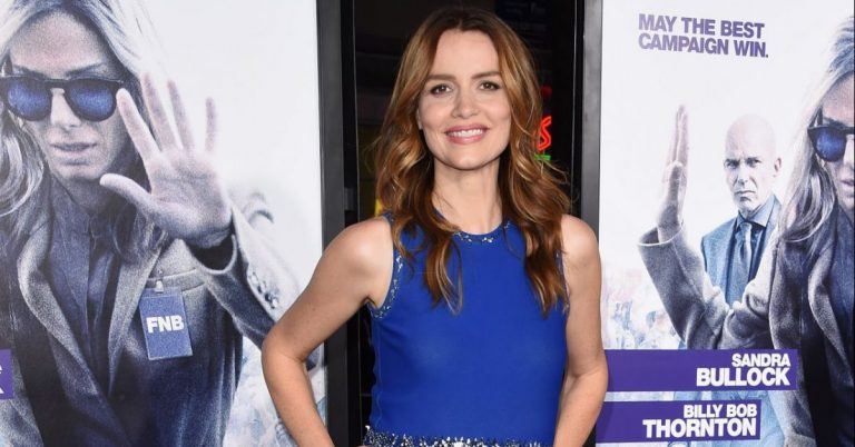 Saffron Burrows Actress, Height, Age, Movies, Net Worth