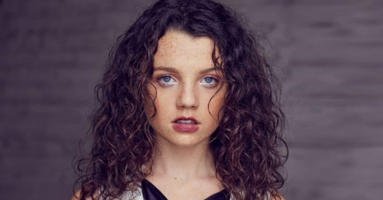 Stefania LaVie Owen Height, Age, Movies, Net Worth, Facts
