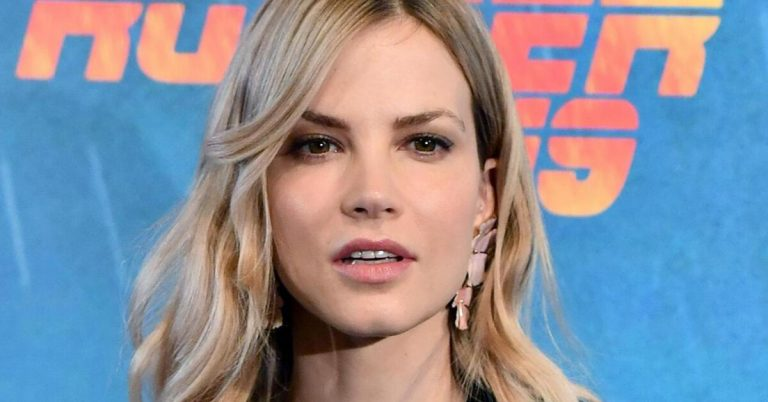 Sylvia Hoeks Age, Height & Bio