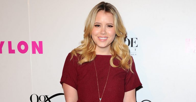 Taylor Spreitler Height, Age, Net Worth, Facts, Boyfriend