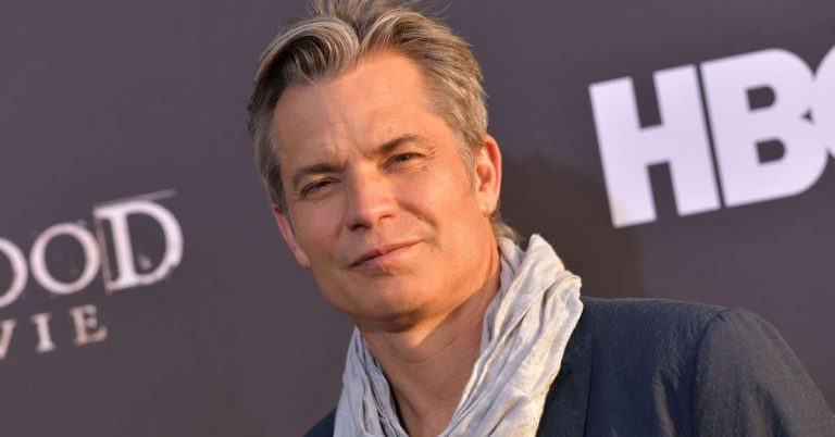 Timothy Olyphant Height, Age, Net Worth, Facts, Wife