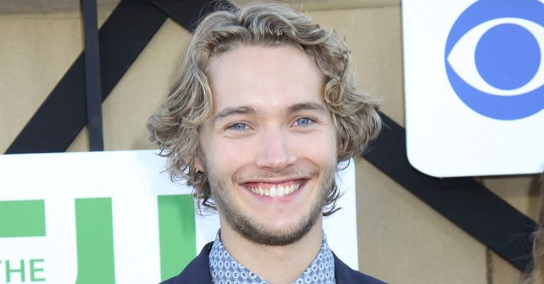 Toby Regbo Height, Age, Net Worth, Facts, Girlfriend